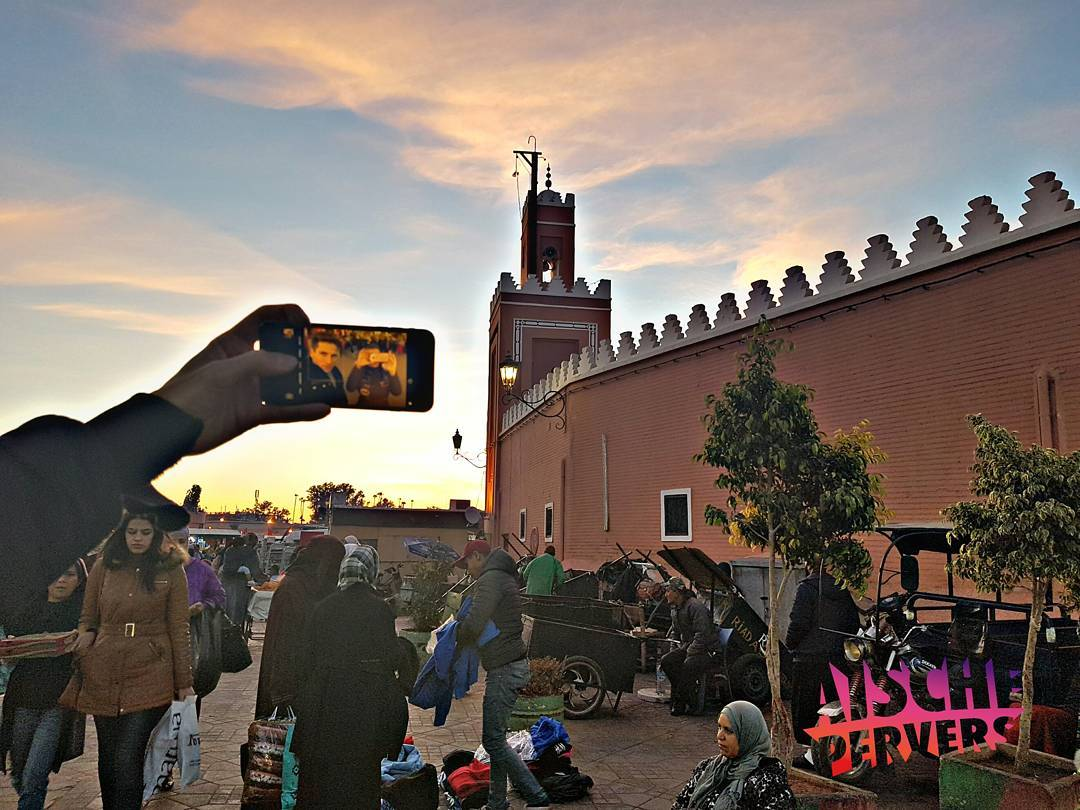 Selfietime in maroc @itgirlagenten  #model #modellife #fun #maroc #marrakech #moschee #market #holiday #xmas #travel #souk #marokko #sun