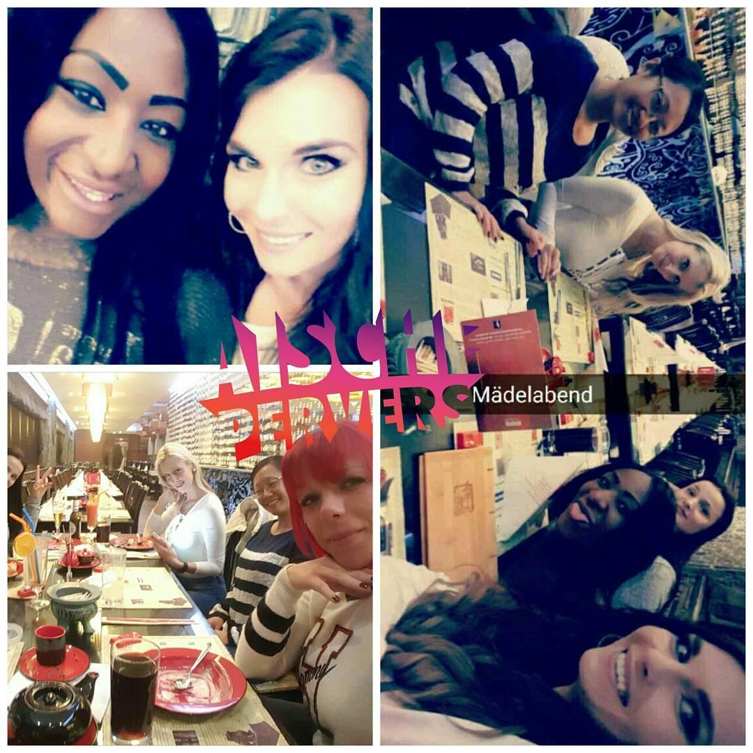 Das war echt ein toller Abend….Tränen gelacht, gelästert und lecker gefuttert. Dafür liebe ich euch @josy.black @themariamia @jolynejoy @eat_me.youtube @tyrataki  #fun #with @my #girls #drinking #eating #food #friendshipgoals #friends #iloveyou #webcam #model #family