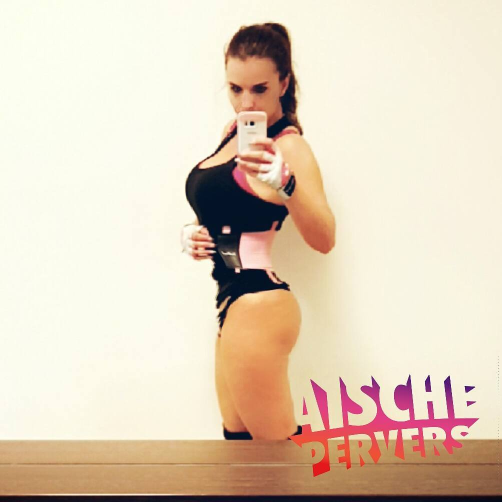 Fuckn legday 💪💪💪 #model #modellife #legday #legs #legdayproblems #mcfit #airmax #workout #fitness #fit #healthy #sport #madebymcfit
