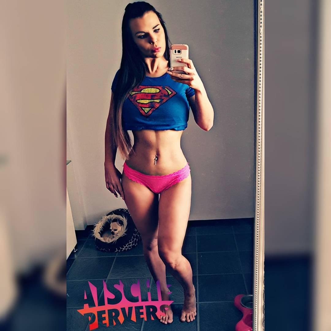 Guten morgen Fitfam….Cardio ist für heute durch. Abends dann #mcfit und Schultern zerstören 💪 Strong&curvy is the new sexy!!! #supergirl #model #modellife #abs #cardio #bodybuilding #strong #curvy #curvygirl #germangirl #fit #fitnessjunkie #fitness #fitfam #instafit #workout #motivation #sport #chihuahua #iloveit #proudtobemcfit #prvrs