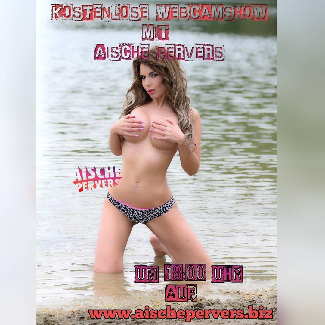Meine gigantische Osteraktion startet heute um 18:00Uhr. Eine Woche lang gibt's für Euch FREE Webcamshows  Nur auf meiner Webseite!!! Ich freue mich drauf  #model #modellife #webcamshow #4free #pornstar #camgirl #show #strip #fun #bikini #curvy #fit #fitness